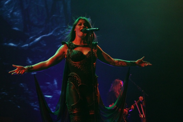 Nightwish_FloorJansen17_Budapest_Decades