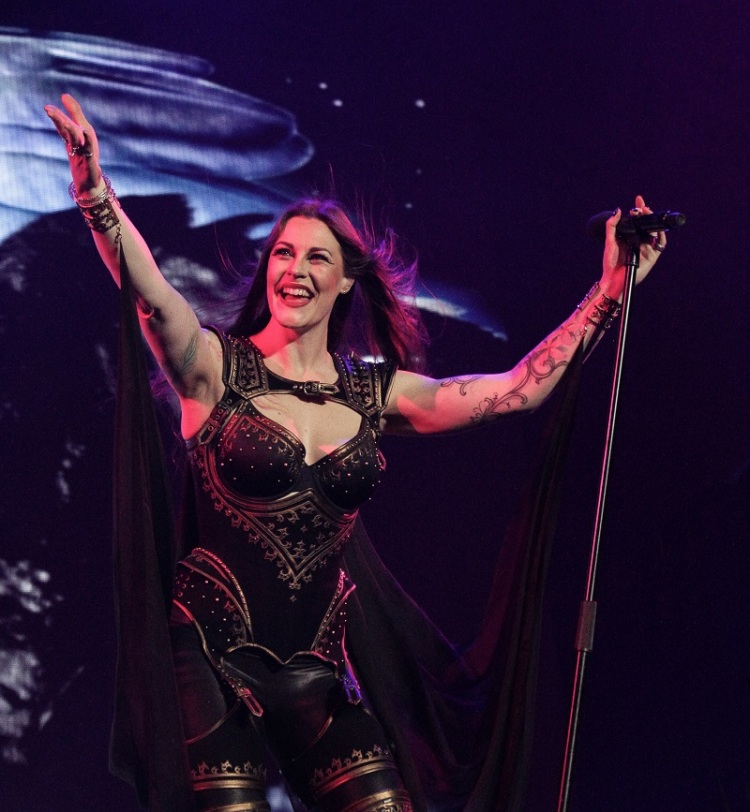 Nightwish_FloorJansen3_Budapest_Decades