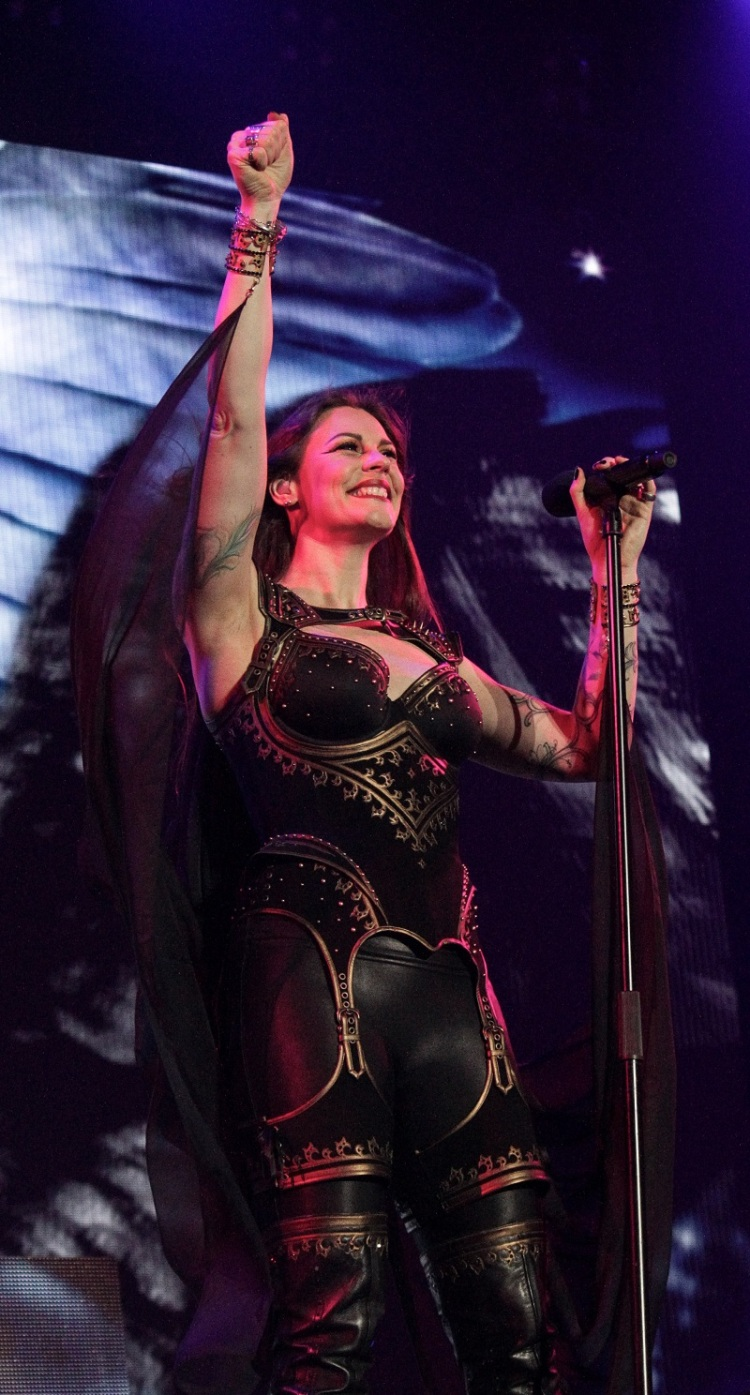 Nightwish_FloorJansen4_Budapest_Decades