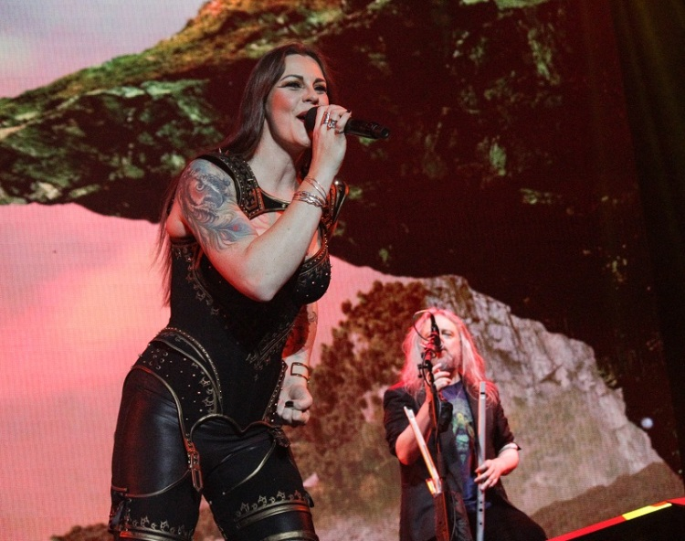 Nightwish_FloorJansen_TroyDonockley_Budapest_Decades